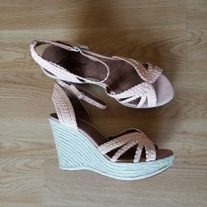 New Lucky Brand wedges sandals size 9/39